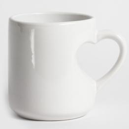 """Чашка """"Love"""" белая ручка сердце"""